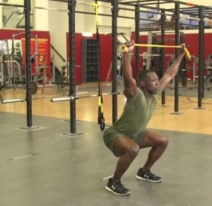banded-overhead-squat